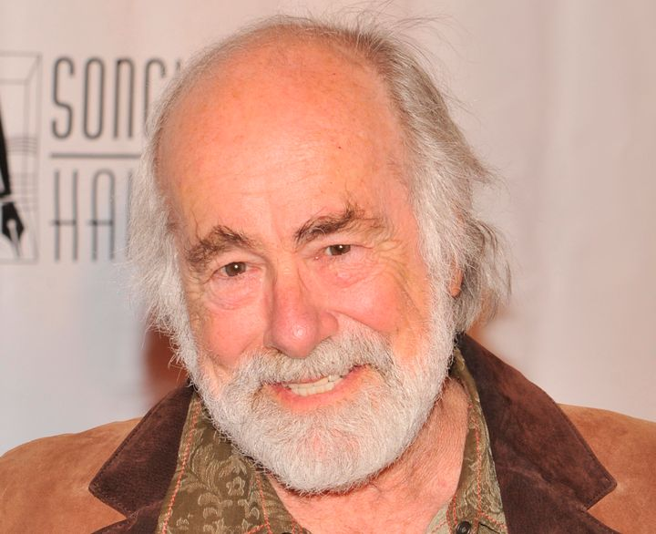 """Robert Hunter, who penned the lyrics to many classic <a href=""""https://www.huffpost.com/topic/grateful-dead"""" target=""""_blank"""">G"""