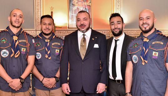 Cette photo souvenir du roi Mohammed VI avec Fnaïre vaut le