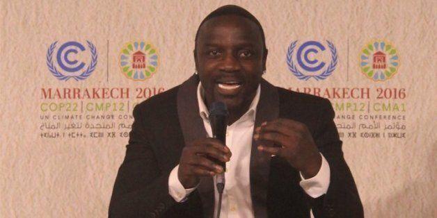 Le message humaniste de Akon à la