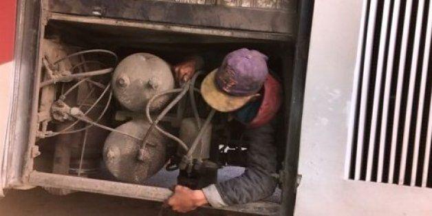 Un jeune marocain découvert dans le moteur d'un bus à la frontière de