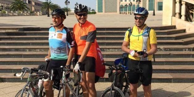 De la casbah de Tunis à la casbah d'Alger, le parcours des trois cyclistes prend fin