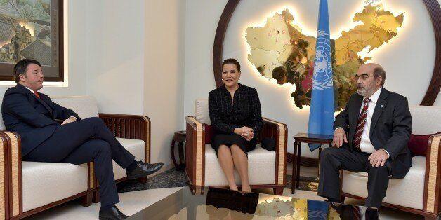 De gauche à droite, le premier ministre italien Matteo Renzi, la princesse Lalla Hasnaa et le directeur...