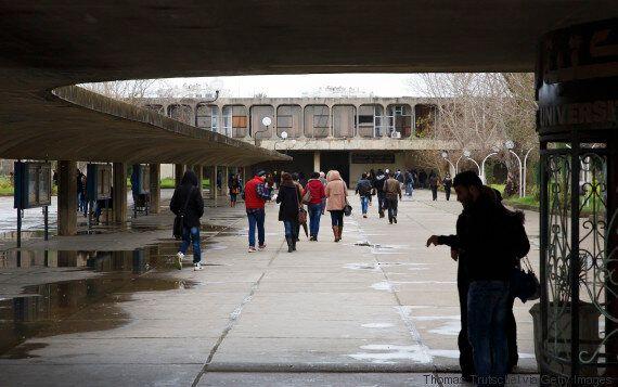 Les étudiants Algériens mal nourris, mal transportés malgré les milliards... Tahar Hadjar étrille Tahkout...