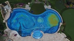 piscine-vincent-van-gogh-insolite