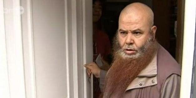 De retour de leurs vacances au Maroc, un imam et sa famille arrêtés en