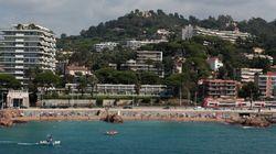 Verbalisée sur une plage de Cannes pour le port d'un simple