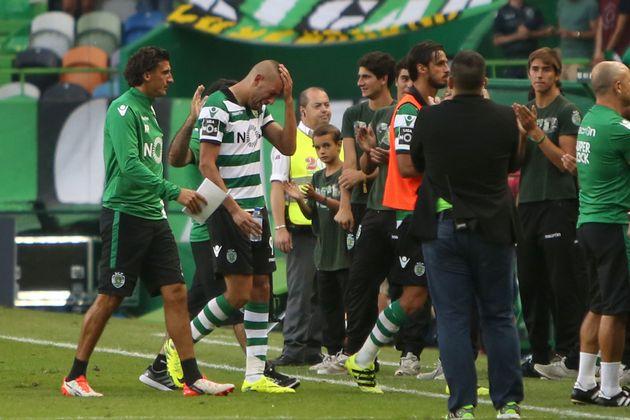 Islam Slimani en larmes après son dernier match avec le Sporting