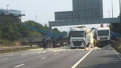 GB: un pont s'effondre au-dessus d'une autoroute, un