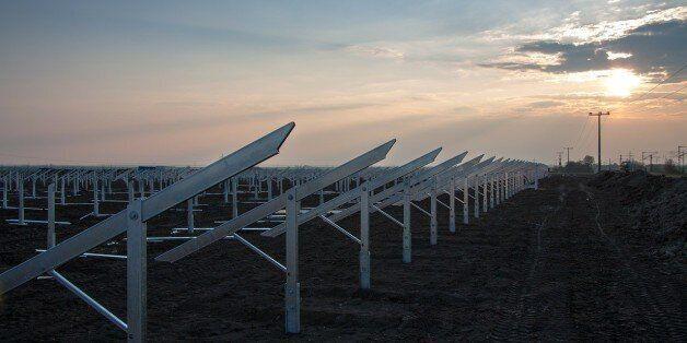 Réalisation prochaine d'une centrale photovoltaïque algérienne de 1 MW, à Boughezoul