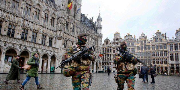 La police belge à Bruxelles après les attentats du 22