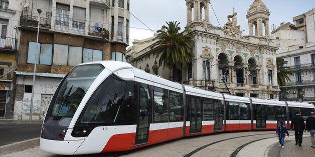 Remise en état du tramway d'Oran sur le tronçon touché par le déraillement du1er