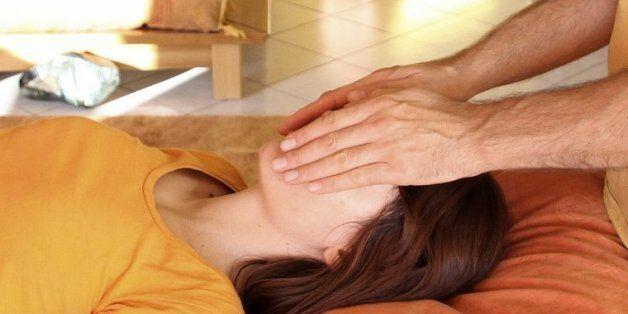 A Rabat, on a testé le reiki, thérapie alternative par imposition des
