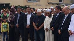 Prêtre égorgé en France: Des musulmans observent une minute de silence devant l'église