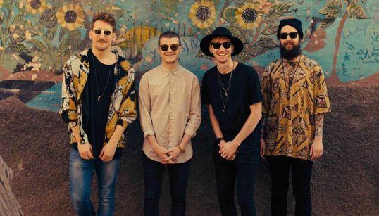 Un groupe de pop britannique dévoile son clip tourné au