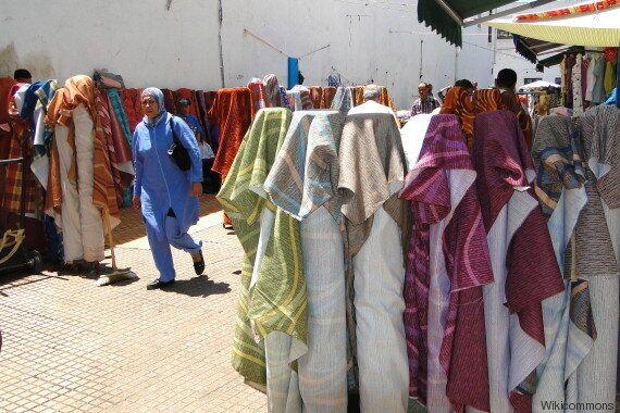 A la médina de Rabat, les commerçants s'adaptent petit à petit à l'ère