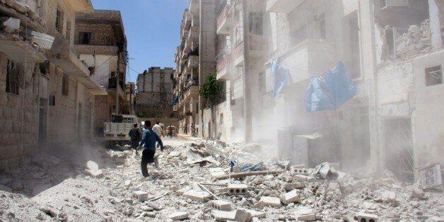 Syrie: les forces antiterroristes donnent 48H à l'EI pour quitter un de ses