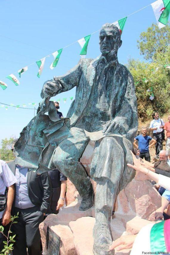 Une statue à l'effigie de Mouloud Mammeri :