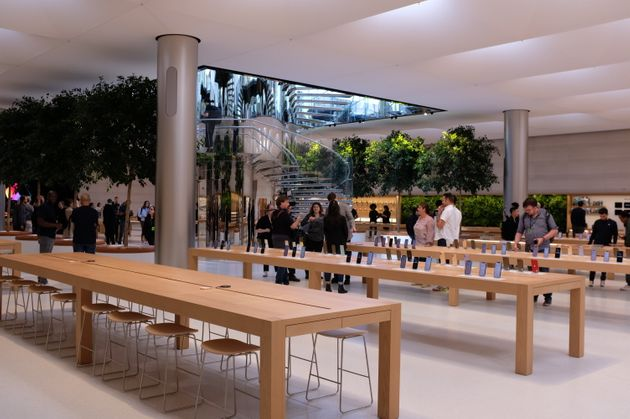 アップル、NY五番街旗艦店を公開。写真17枚でその全貌を公開