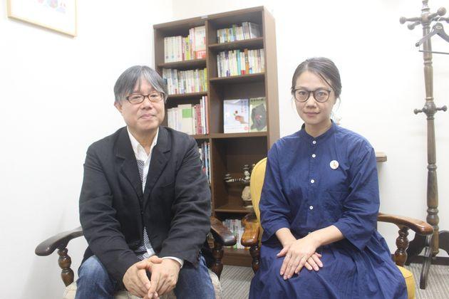 (左から)「暮しの手帖」編集長の澤田康彦さん、「戦中・戦後の暮しの記録」シリーズの担当編集者村上薫さん
