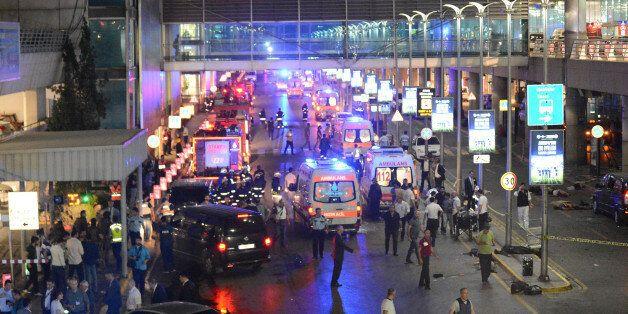 Attentat d'Istanbul: Deux des trois kamikazes