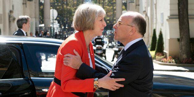 Theresa May, Première ministre du Royaume-Uni et un mystère vu de