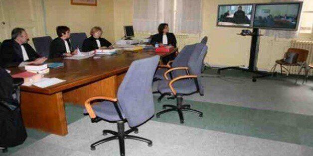Un procès à distance par visioconférence prévu lundi à la cour de