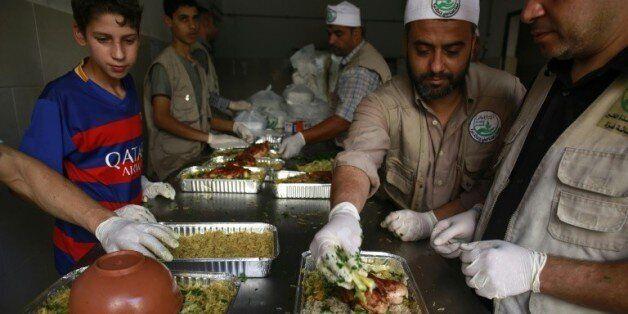 Des Palestiniens préparent