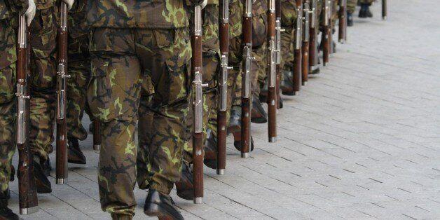 Obligation de réserves des militaires: les deux projets de loi adoptés par les députés à