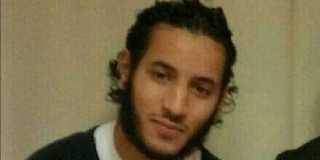 France: Le terroriste qui a poignardé deux policiers est d'origine
