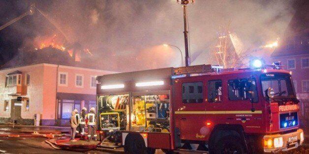 Deux Marocains accusés d'avoir mis le feu à un foyer de réfugiés en