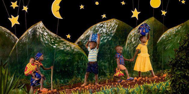 En collaboration avec Save the Children et Pearson, le photographe Patrick Willocq a imaginé une série...