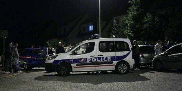 Un policier et sa compagne tués en France par un homme se réclamant de