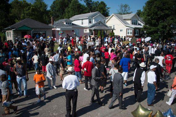 Will Smith, Mike Tyson et des milliers d'anonymes rendent un dernier hommage à Mohamed Ali à Louisville