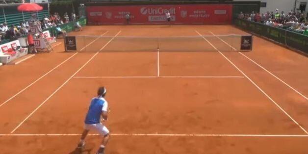 Gonzalo Lama affronte Robin Haase au tournoi de Prostějov en République Tchèque le 31