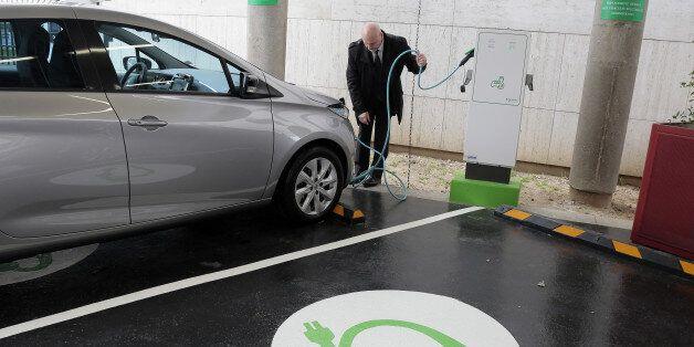 L'interdiction des véhicules à essence pourrait devenir réalité en