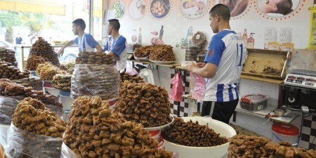 Des métiers saisonniers prospèrent durant le ramadan dans la région du