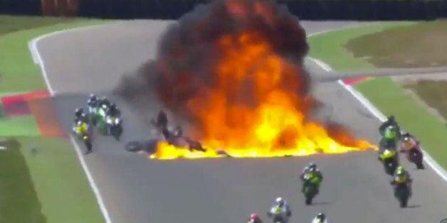 Spectaculaire accident lors d'un grand prix de moto 2 à Aragon, en Espagne