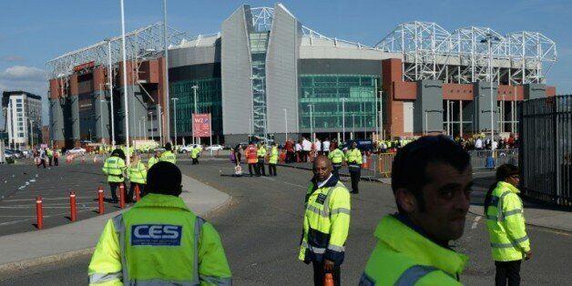 Le stade d'Old Trafford évacué après la découverte d'un colis suspect, le 15 mai