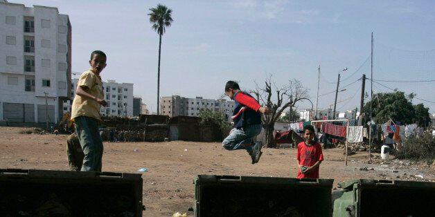Des enfants qui jouent à Sidi Moumen, à Casablanca en