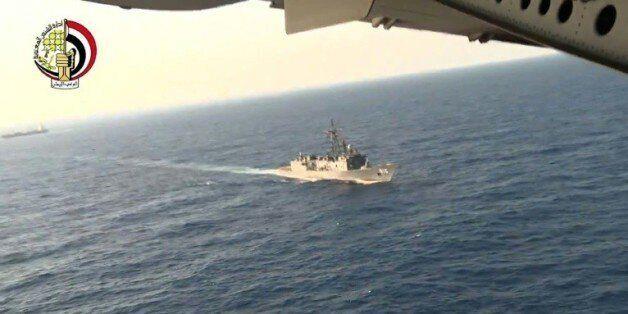 Capture d'écran d'une video du ministère égyptien de la Défense des recherchesde l'A320 le 20 mai 2016...