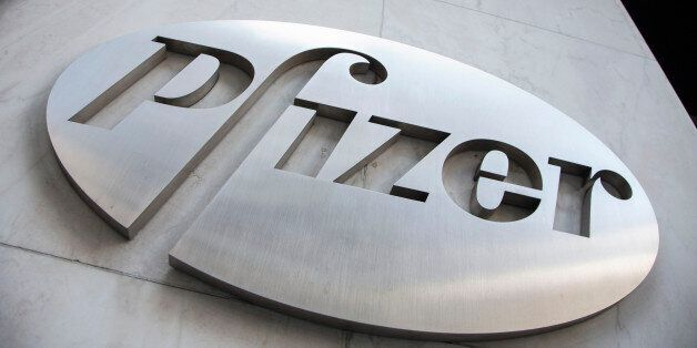 The Pfizer logo is seen at their world headquarters in New York April 28, 2014. REUTERS/Andrew Kelly/File