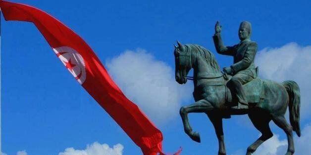 Désormais vous verrez la statue de Bourguiba en allant au centre-ville de Tunis