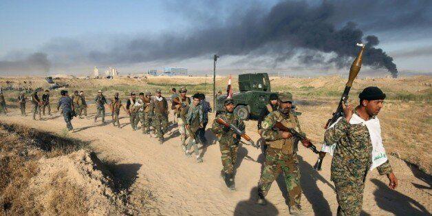 Les forces irakiennes pro-gouvernement avancent vers Fallouja le 23 mai
