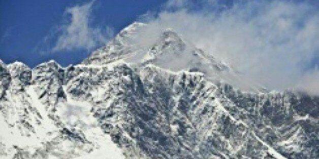 Deux alpinistes, un Néerlandais et une Australienne, meurent après avoir atteint le sommet de
