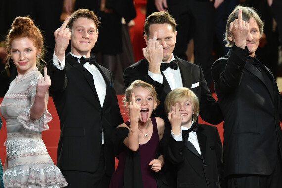 À Cannes, c'est le festival des doigts
