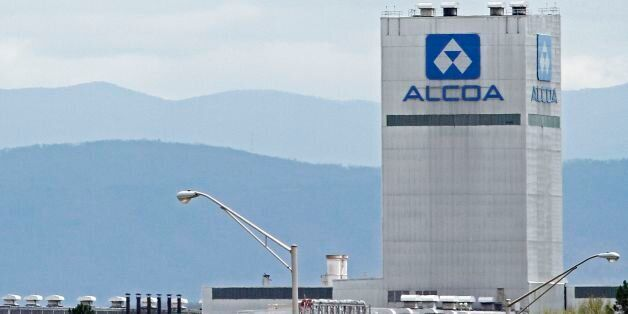 An Alcoa aluminum plant in Alcoa, Tennessee is seen in this April 8, 2014 file photograph. Aluminum giants...