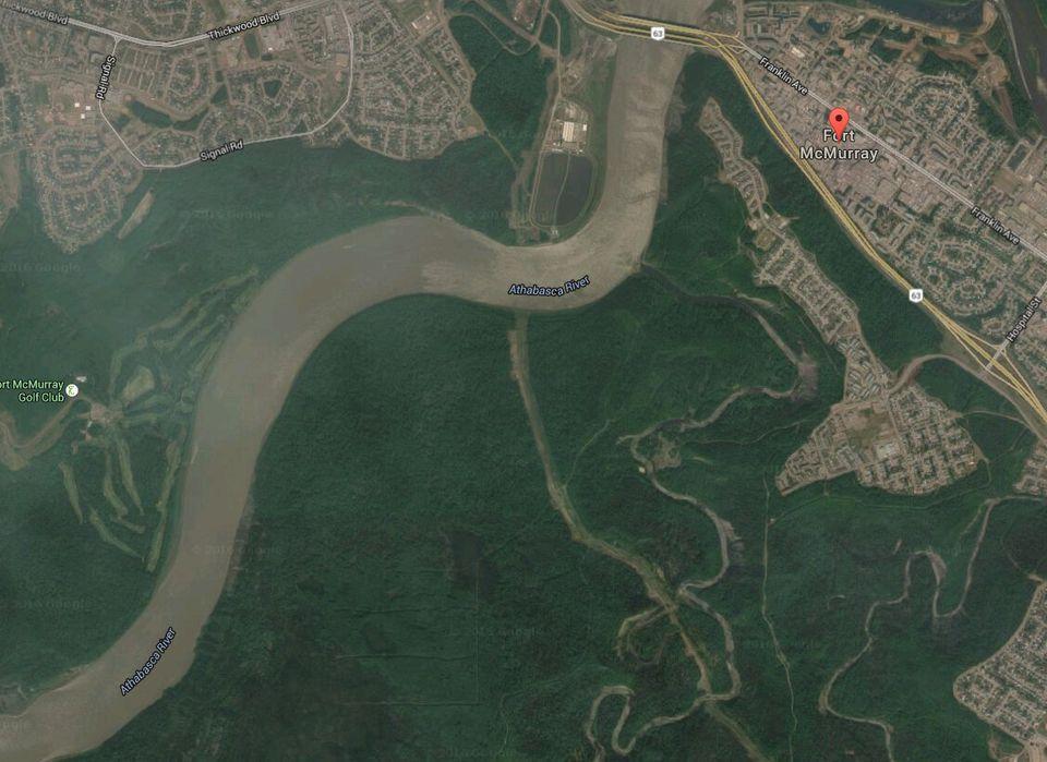 Les images satellites avant/après le gigantesque incendie à Fort McMurray au
