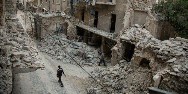 Syrie: la vie reprend à Alep avec la nouvelle
