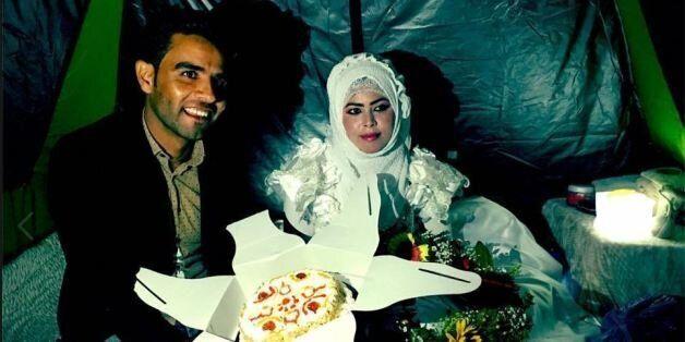De jeunes mariés dans le camp d'Idomeni en Grèce le 3 mai