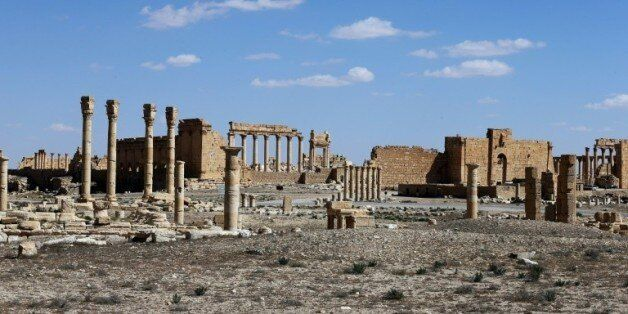 Syrie: le groupe jihadiste EI isole la ville de